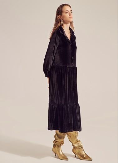 Monamoda Düğmeli Volanlı Kadife Elbise Siyah